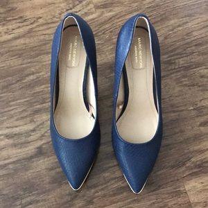 Shoes size 8